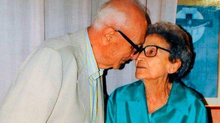L'architetto Paolo Castelli con la moglie (foto Calavita)