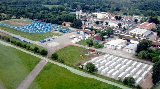 """Bresso, il sindaco Vecchiarelli: """"Container pronti, più dignità ai migranti"""""""