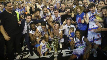 Brescia festeggia: promossa in Serie A Basket
