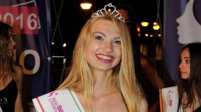 Martina vince le selezioni di Miss Livorno: le foto della serata