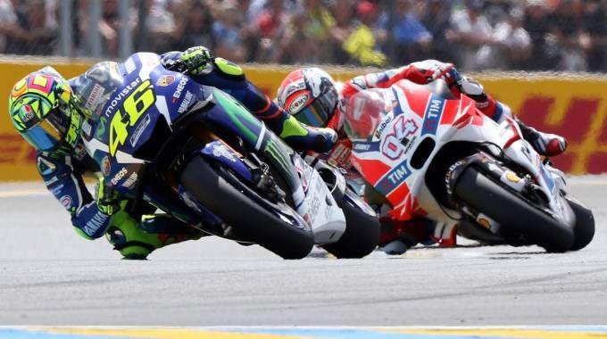 MotoGp Assen: Valentino Rossi secondo, pole a Dovizioso su Ducati