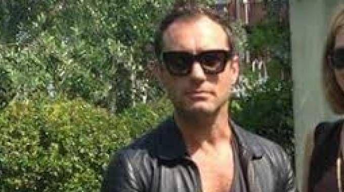 The Floating Piers, Jude Law sul ponte di Christo: è parata di vip
