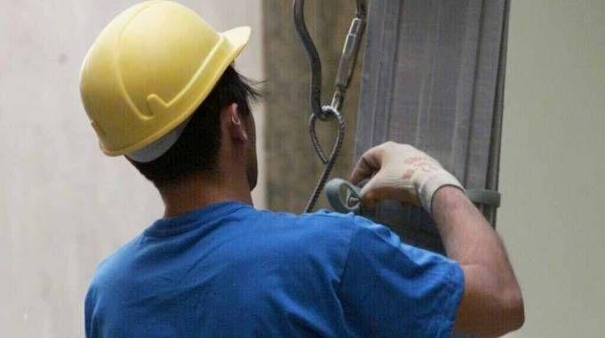 Un giovane operaio di Ravenna morto al lavoro