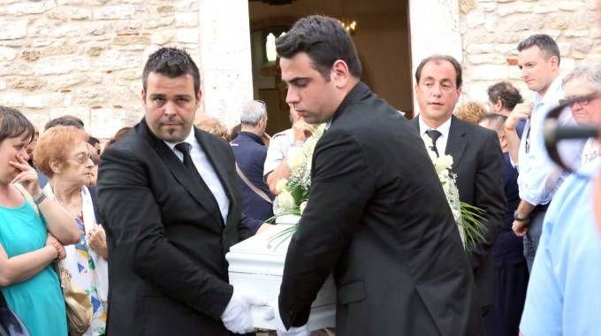 Tutta Acquasanta al funerale del piccolo Angelo / FOTO
