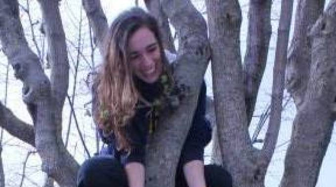 Una foto della ragazza morta nell'Enza
