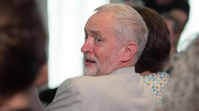 """Brexit, scontro nel Labour. Corbyn caccia ministro Esteri. """"Tramava golpe"""" / FOTO"""