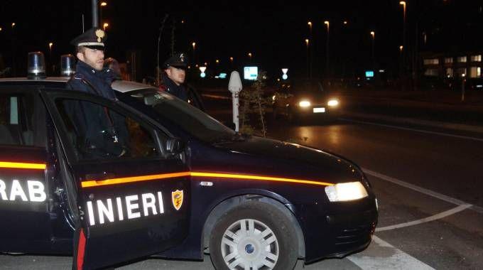 Non si ferma all'alt e nella fuga travolge un carabiniere