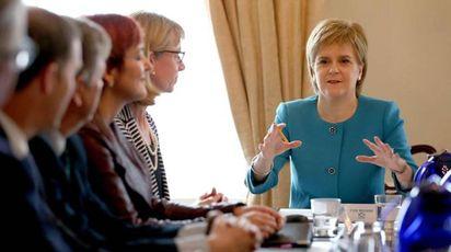 La prima ministra scozzese Nicola Sturgeon (Ansa)
