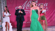 Patrizia Lovato è la vincitrice assoluta di 'Miss Mamma Italiana' a Gatteo Mare