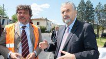 L'assessore alle infrastrutture Vincenzo Ceccarelli (a destra) replica ai vari interventi sulla Camporcioni