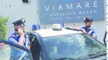 I carabinieri sul litorale indagano sulla rapina durante la festa in spiaggia