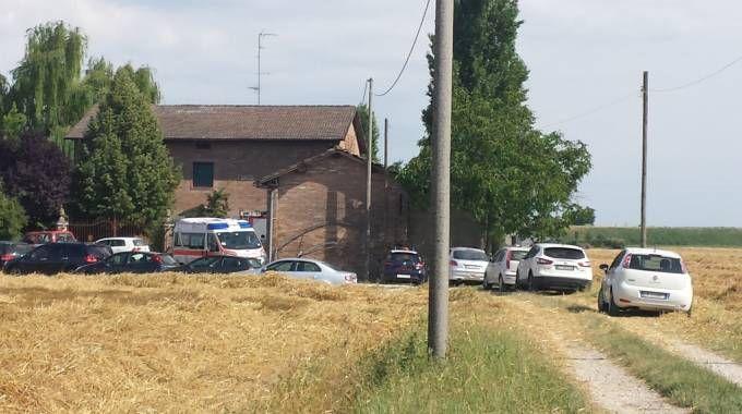 I soccorsi in via Bottegone a Camposanto
