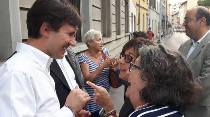 Il sindaco Nardella ieri pomeriggio si è recato in San Jacopino per parlare con commercianti e residenti