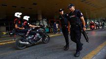 Polizia nell'aeroporto Ataturk di Istanbul (Reuters)