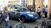 Poliziotti e vigili urbani sono intervenuti in piazza Grande per sedare gli animi tra i nordafricani