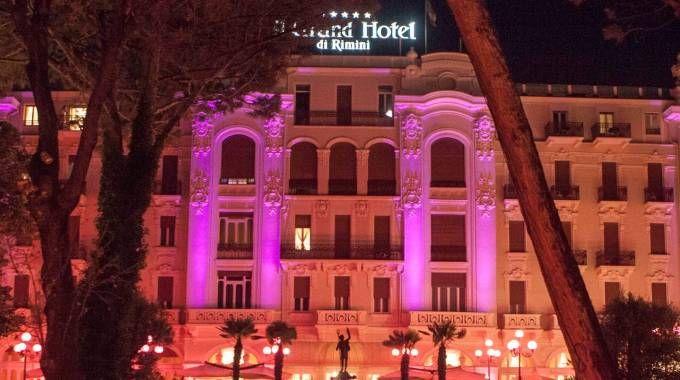 Rimini, hotel tutti esauriti per la Notte Rosa (Foto Bove)