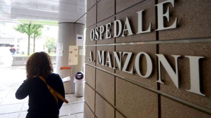 La giovane ha partorito all'ospedale Manzoni