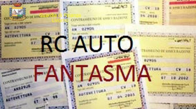La Guardia di finanza contro il fenomeno delle auto non assicurate