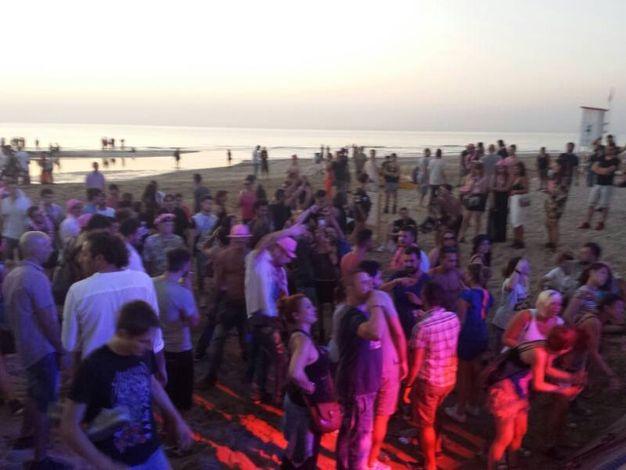 Notte rosa 2016 le foto della festa in riviera cosa - Bagno 60 rimini ...