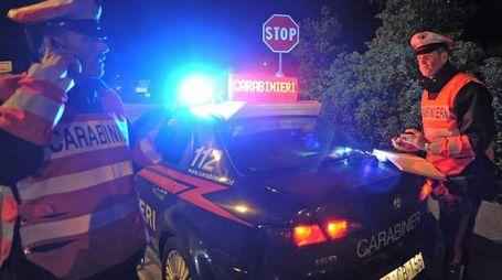 Controlli dei carabinieri di notte. Foto di repertorio