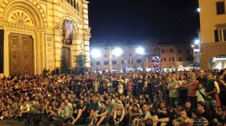 Piazza Duomo gremita di gente