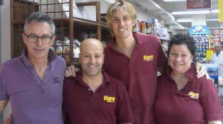Il gruppo del supermercato Tigre