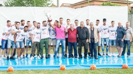 Giocatori e staff del San Giuliano (Foto Nicolò Pizzi)