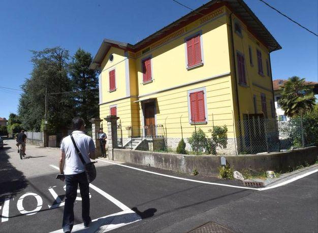 La casa dove è avvenuto il delitto a Laveno Mombello