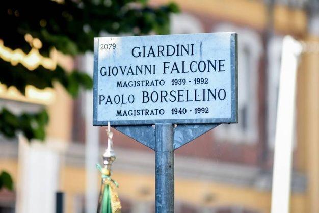 La targa dei Giardini Falcone e Borsellino (Newpress)