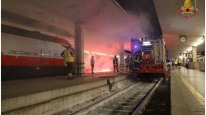 Treno a fuoco in Sana Maria Novella: ma è un'esercitazione