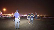 Polizia e carabinieri sono impegnati a combattere il fenomeno dei predoni di spiaggia