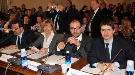 Pasquini durante un consiglio comunale a Lecco