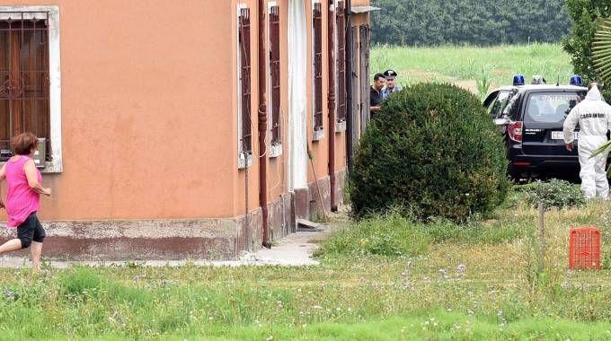 Omicidio a Fossanova, i rilievi della Scientifica (Foto Businesspress)