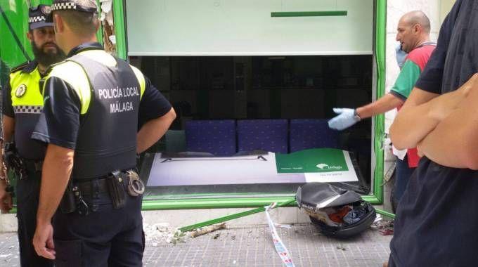 Le immagini dell'incidente a Malaga