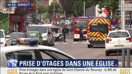 Assalto a una chiesta a Rouen in Normandia (da Bfm tv)
