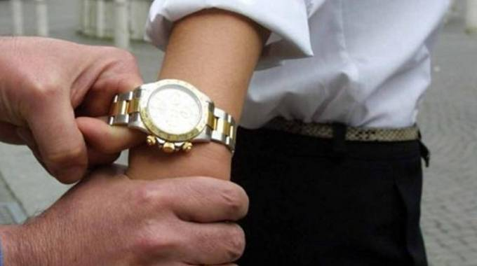 I malviventi avevano rubato un Rolex