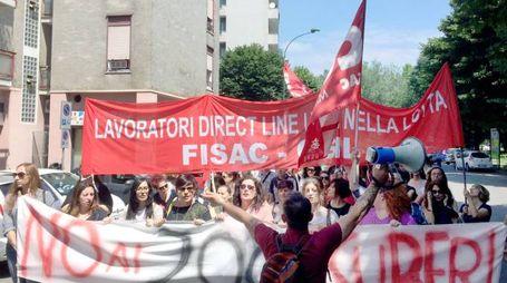 Manifestazione di protesta dei dipendenti Direct line