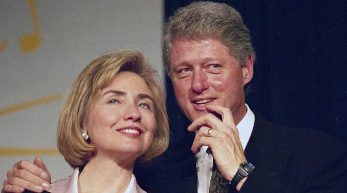 Bill e Hillary Clinton nel 1994 (Ansa)