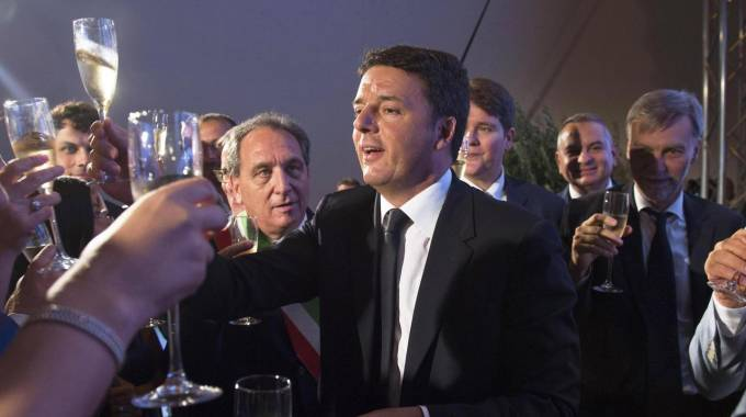 Il brindisi di Renzi