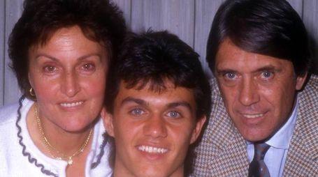 Marisa, Paolo e Cesare Maldini (Alive)