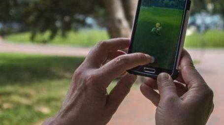 A Senigallia un ragazzo ha rischiato un incidente giocando a Pokemon Go (Foto d'archivio)