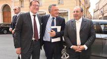 Da sinistra, il sindaco Gian Carlo Muzzarelli, il sottosegretario Filippo Bubbico e il prefetto Michele Di Bari (Fiocchi)