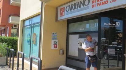 Colpo al bancomat della filiale Carifano di Villanova di Montemaggiore al Metauro