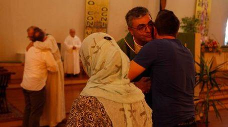 31–07-2016 ravenna  chiesa di s giuseppe villaggio anic incontro trà rappresentanti  comunità islamica  e cristiani durante la messa