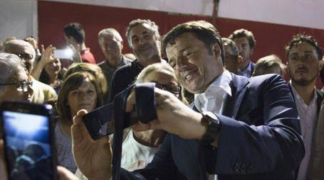 Il  premier Matteo Renzi  alla festa dell'Unità di Modena , 17 settembre 2015  ANSA/ TIBERIO BARCHIELLI- UFFICIO STAMPA PALAZZO CHIGI +++ EDITORIAL USE ONLY NO SALES NO ARCHIVE +++