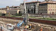 La trivella in lungarno Torrigiani (Giuseppe Cabras/ New Press Photo)