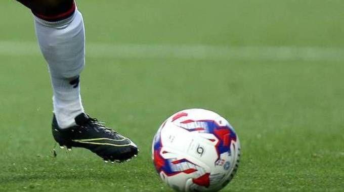 Un pallone da calcio in una foto d'archivio (Olycom)