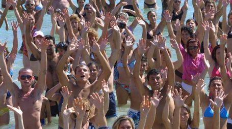 Ciquibum/ danza in acqua più grande del mondo