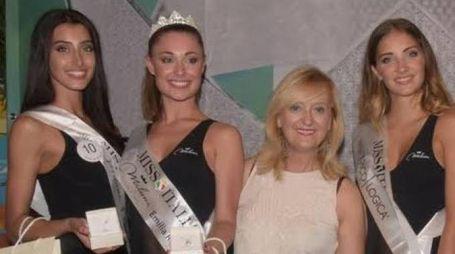 Alessia Consolini, 20 anni, è la seconda da sinistra