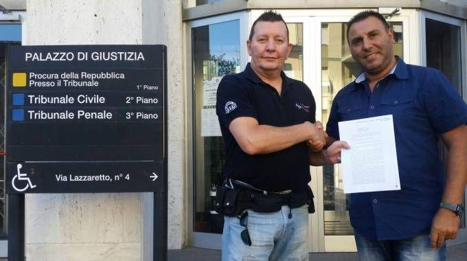 Fabio Versari, a sinistra, con un sindacalista Ugl